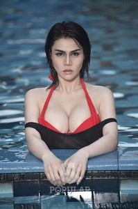 Foto Hot Katty ButterFly di Majalah Popular