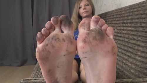 Yvonne - dirty feet worship Full HD
