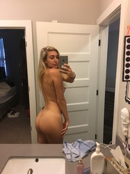 What necessary Free pics of young naked girls in the mirror