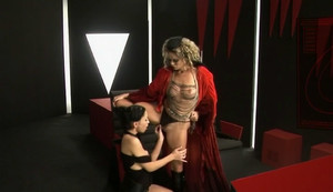 Mya Diamond, Victoria Swinger - Porn Wars 1 sc5