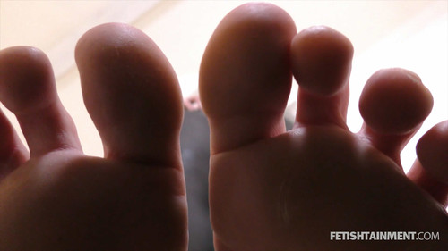 Miss Elea tramples you under her bare feet - FULL HD WMV