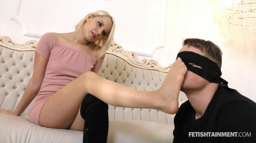 Sniff and adore Serenas Nylon Feet - FULL HD WMV