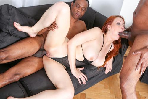 Teen pussy huge cock