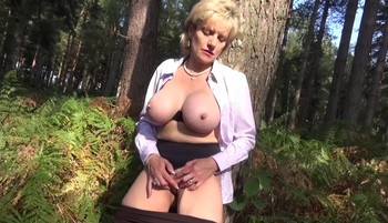 outdoors Lady sonia