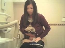【投稿作品】女子大生やOLのティーンガールのトイレ覗き‼ File15