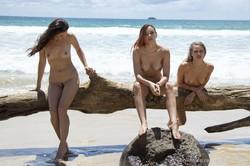 Elly-Kathleen-Beach-Bums--g6sff4xf0b.jpg