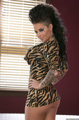 Christy-Mack-Freaks-And-Geeks-And-Teets-%28solo%29-s6q752sqj0.jpg
