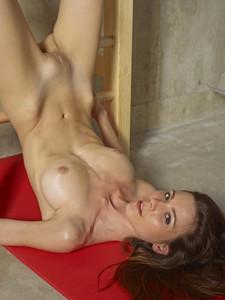 Tania - The Body