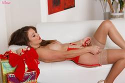 Malena Morgan - Have A Sexy Christmas p6s4sulilo.jpg