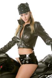Zuzana-Drabinova-Lonely-Rider--j6s5vi6rbk.jpg