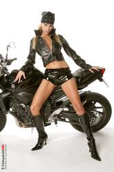Zuzana-Drabinova-Lonely-Rider--y6s5vif75x.jpg