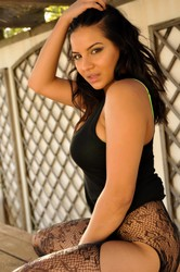 Lacey-Banghard-Table--k6s7209zxc.jpg