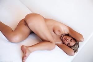Christina - Revelare -v6r9hiv4kw.jpg