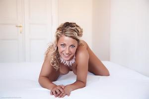 Christina - Revelare -06r9hi1kg2.jpg