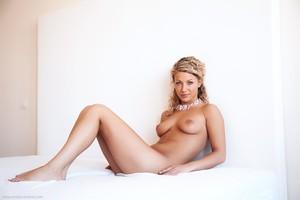 Christina - Revelare -i6r9him1pt.jpg