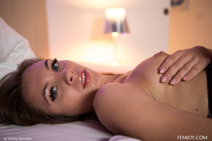 Veronika-Clark-Evening-Pleasure--56sro4tosh.jpg