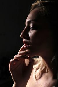 Kira W - Dark Delight  u6rl0rxsv0.jpg