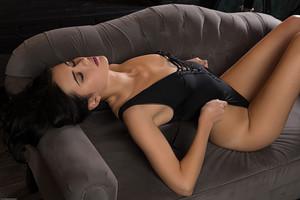 Mona-Luce--q6swbogqg0.jpg