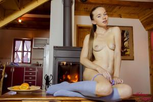 M-i-l-e-n-a-Fireplace--z6ufv66352.jpg