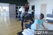 Aidra-Fox-Stepbro-Interrupts-Stepsis-Musical-Masturbation-250x-1500px-x6jn0xo7n7.jpg