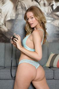 Olivia Preston – Enalde  06rtqwjsug.jpg