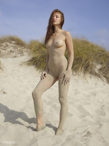Jenna - Beach Nudes  q6rnsitpdl.jpg