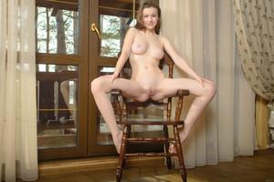 Emily-Bloom-Long-Legs--x6ubd0ikwc.jpg