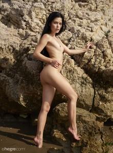Belle - Nude Beach  p6rnji3mlf.jpg