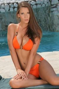 Lizzie Ryan - Summer Mood 76uvhlw66b.jpg
